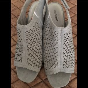 NWOT White Mountain Gray Lattice Heels
